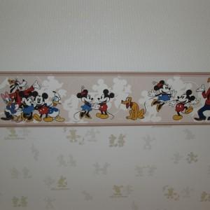 玄関ホール壁紙②